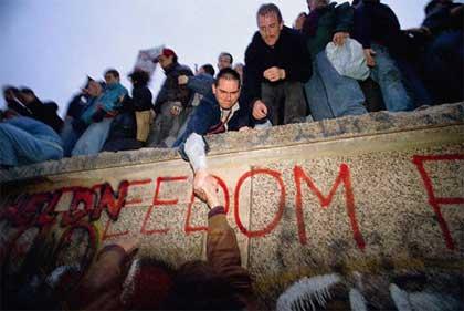 berlin-wall-freedom.jpg
