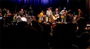 paul-simon-concert-crowd.jpg
