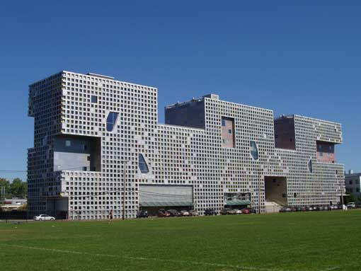 Simmons_Hall_MIT_Cambridge.jpg