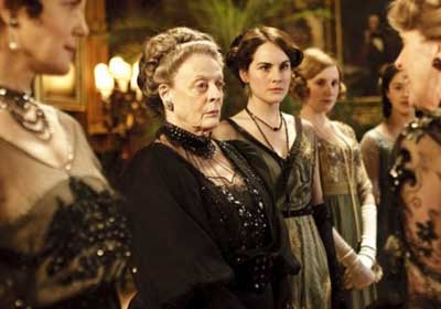 downton-abbey-women-pbs.jpg